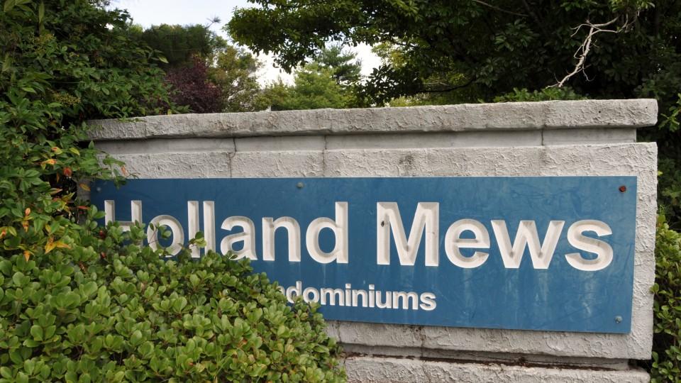 Holland Mews