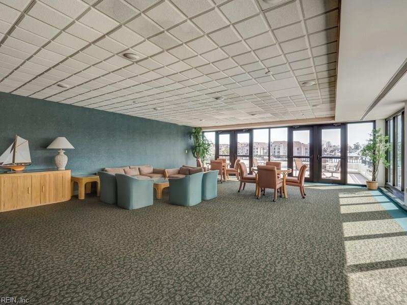 Ocean Way_club room