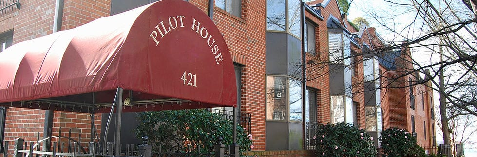 Pilot House pic 2