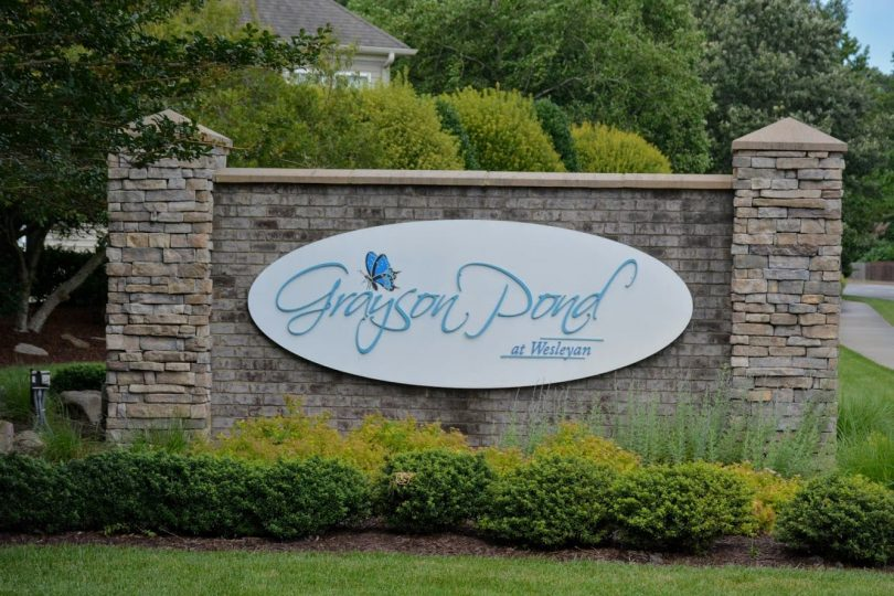 2020-06-15 Close up of Entrance Sign