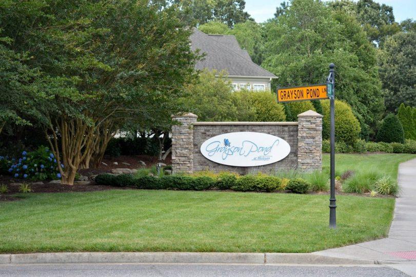 2020-06-15 Entrance Sign